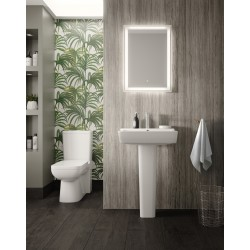 Arlo Close Coupled Toilet Pan Cistern and Soft Close Toilet Seat - Insitu